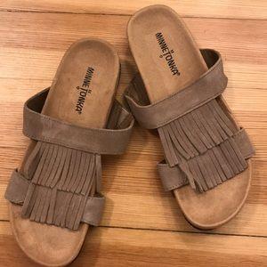 NWOT Minnetonka sandals